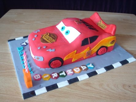 Lightning Mcqueen Birthday Cake Designs : Birthday Cake Ideas: Lightning McQueen Cake