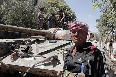 http://3.bp.blogspot.com/-aoGCmXQ64FY/UB2bsr0Vp9I/AAAAAAAAzhw/A548Bt0PmIg/s1600/Syria_Syrian-rebels-capture-an--007.jpg