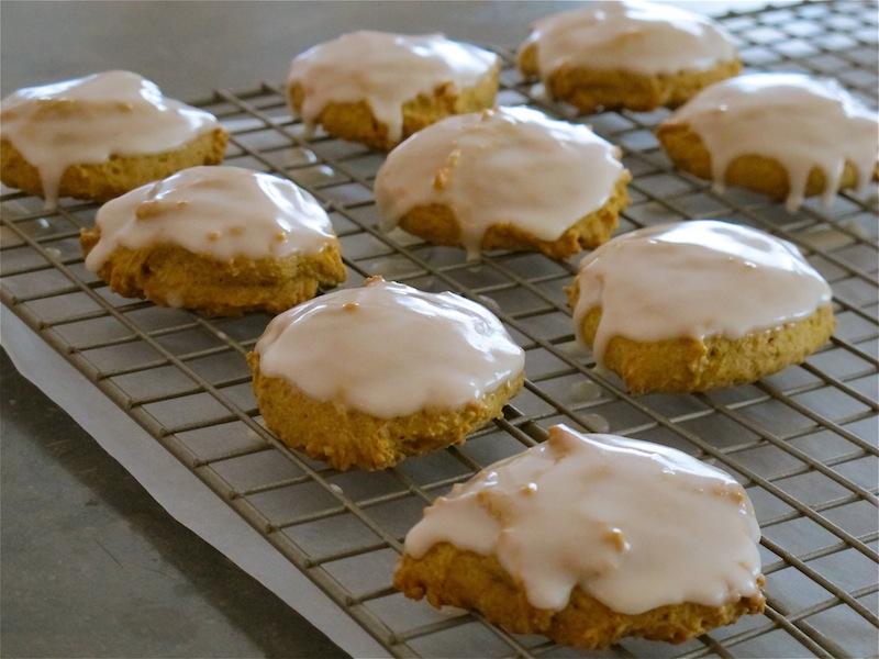 joeycake: iced pumpkin cookies
