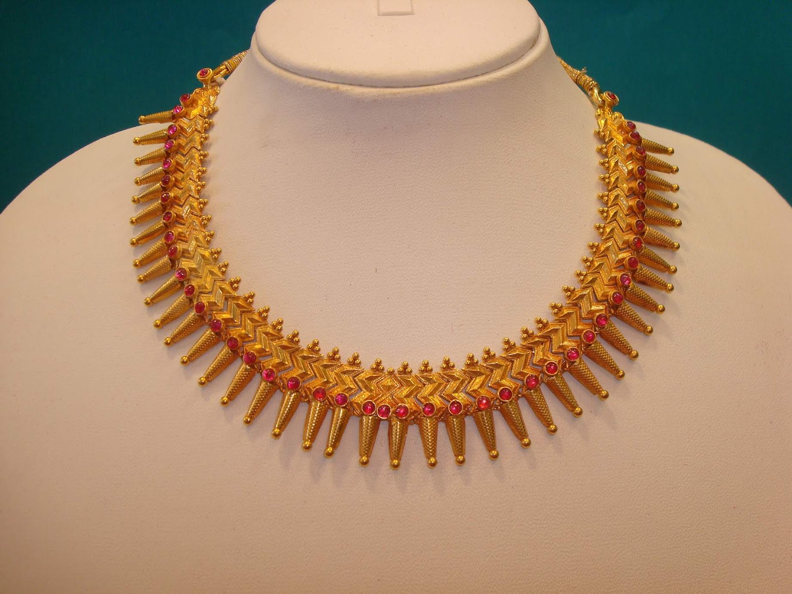 Maharashtrian Wedding Bridal Jewelry ~ Jewellery India