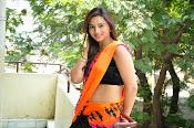 Isha Chawla latest glam pics-thumbnail-2