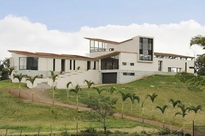 Rumah Tropis Gaya Amerika Latin 6