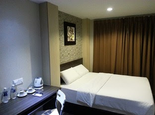 interior design renovation kuala lumpur boutique budget hotel bedroom carpentry