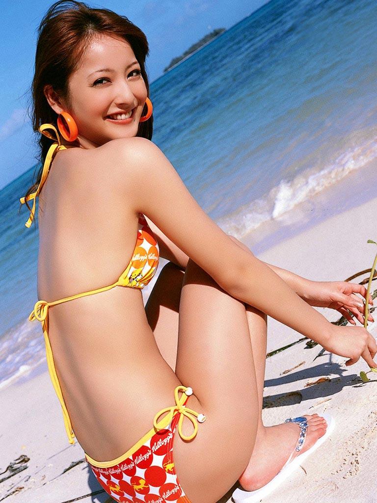 nozomi sasaki stunning sexy bikini