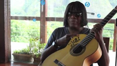 mini violão Txai de Milton Nascimento