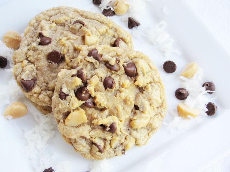 chocolate chip coconut macadamia nut cookies | Sweet Anna's