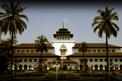 Foto Tempat Wisata Gedung Sate Bandung