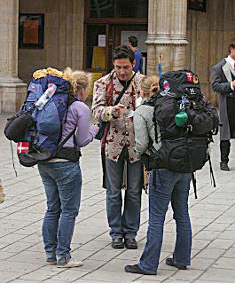 Tips Backpacker - Apa yang harus Anda Masukan di Tas