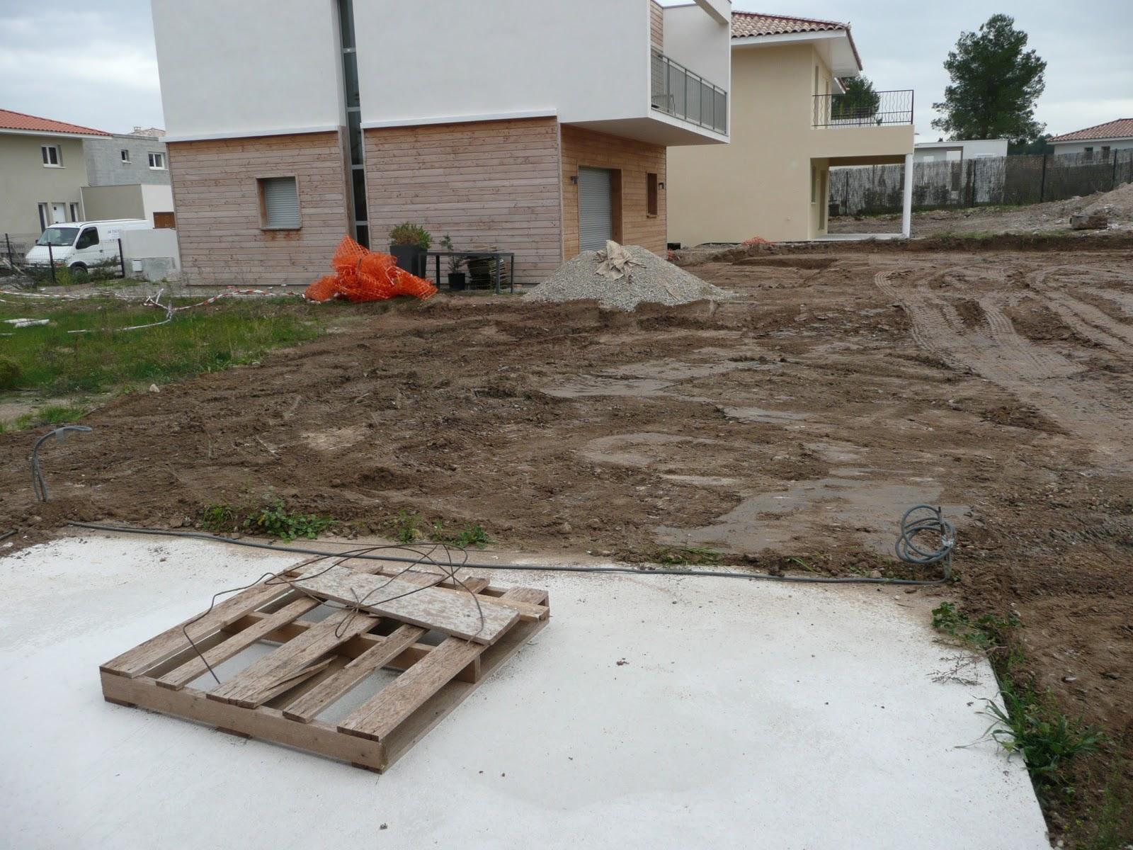 construction de notre villa bbc jacou chape liquide et terrassement du terrain. Black Bedroom Furniture Sets. Home Design Ideas
