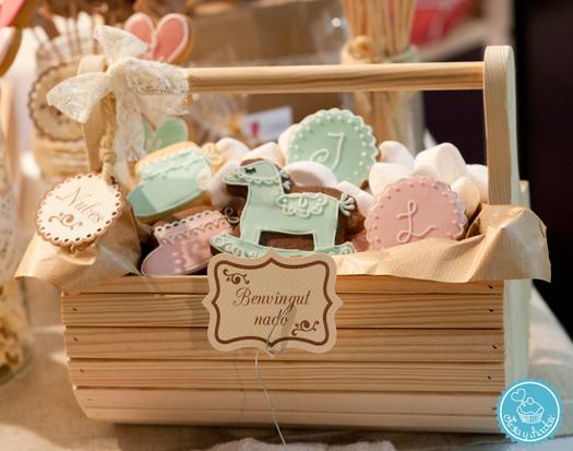 Cesta galletas para bautizos y regalo recién nacidos