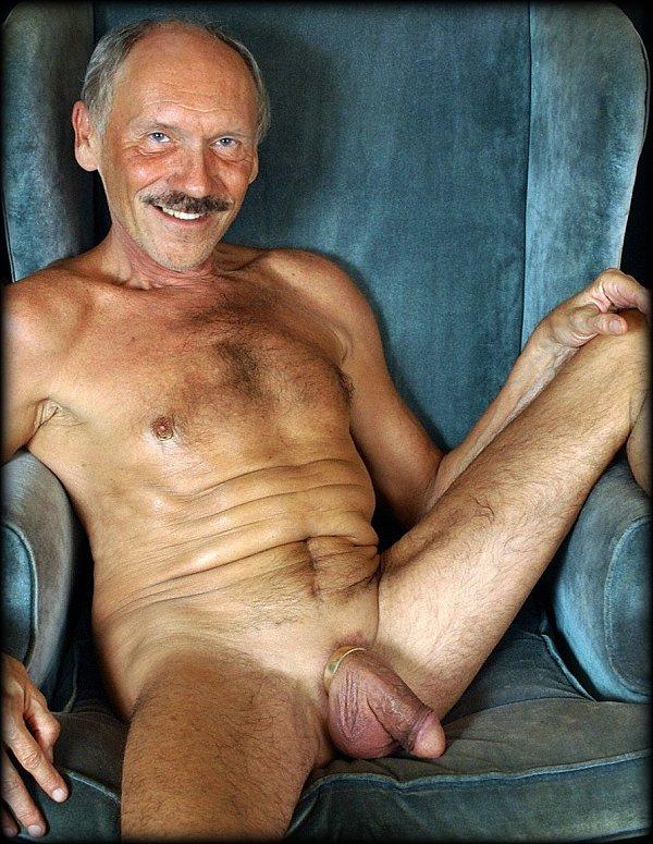 Desnudo en casa fotos