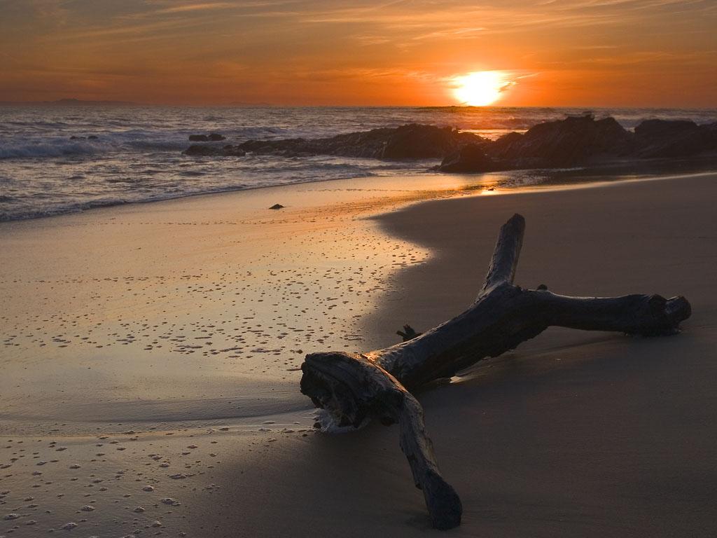http://3.bp.blogspot.com/-aqNMeMLqNsQ/T215iYMTanI/AAAAAAAADJ4/eu_WmS5GLDI/s1600/sunset-wallpapers-06.jpg