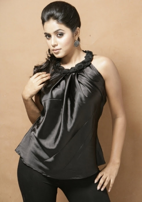 poorna spicy latest photos