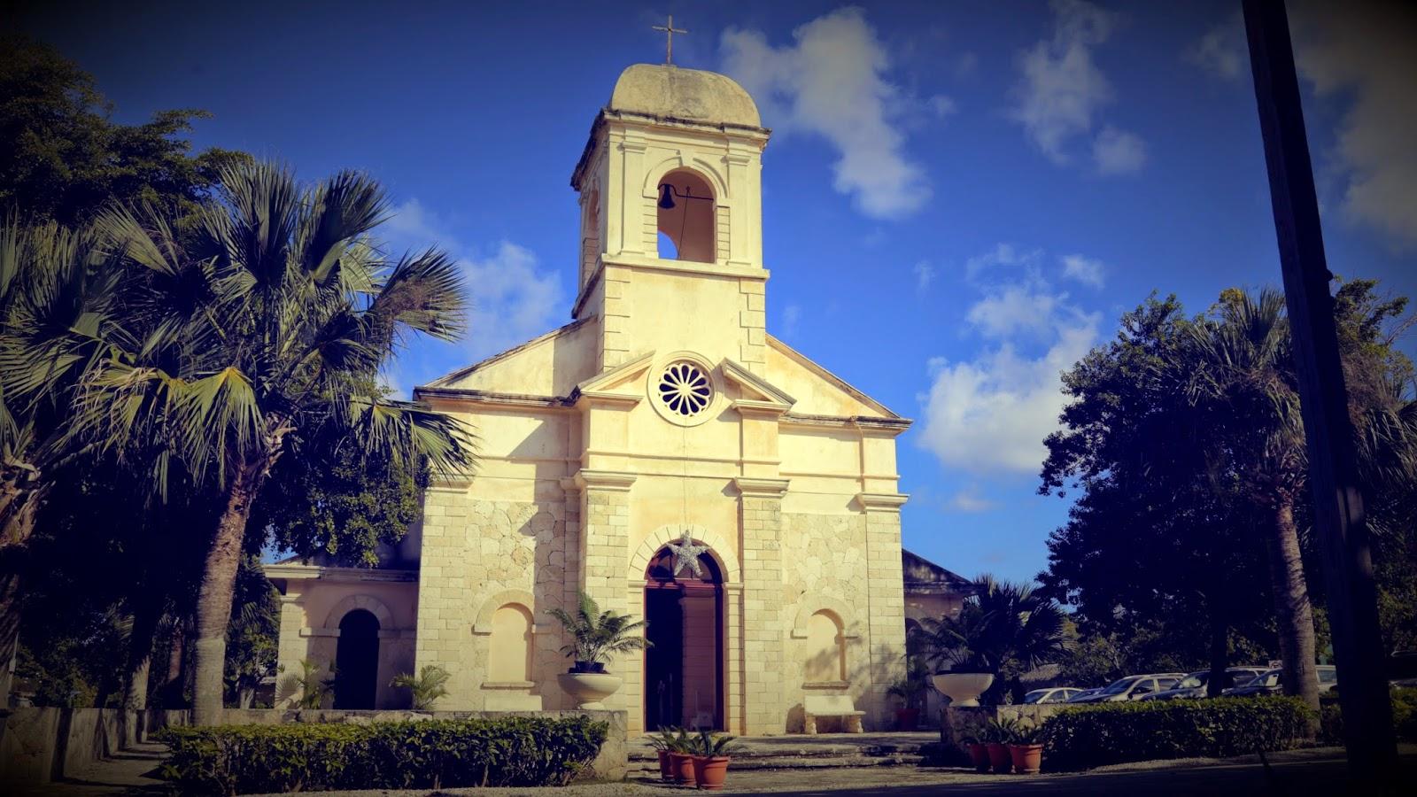 Photos of the church http zorrillabaquero com arquitectos proyectos iglesia_nuestra_sra_punta_cana html