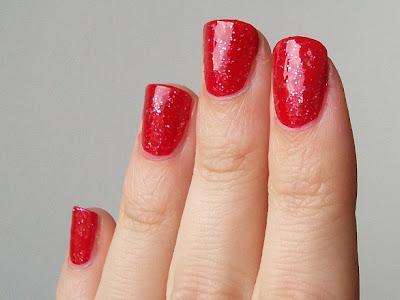 W7 Glittery Red