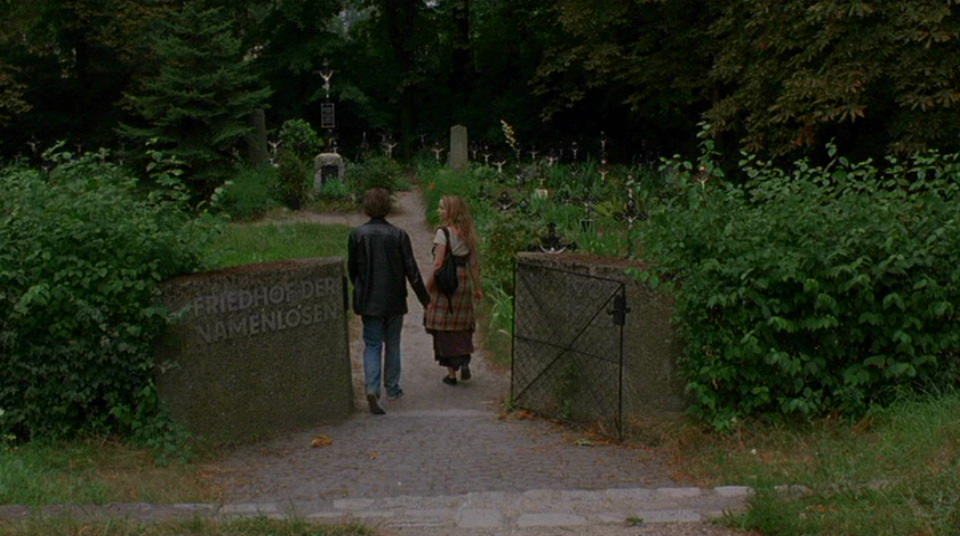 http://3.bp.blogspot.com/-aqbXzdcwRT4/VV952qpjOkI/AAAAAAAAMzo/aKZ1tH7T1_E/s1600/Cemetery_BeforeSunrise.jpg