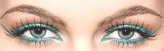 beautiful eyes = (sepasang) mata yang indah