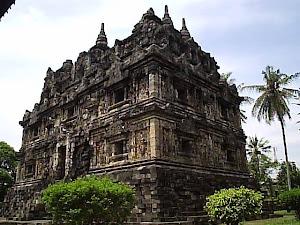 Candi Kalasan: Candi Buddha Pertama di Indonesia