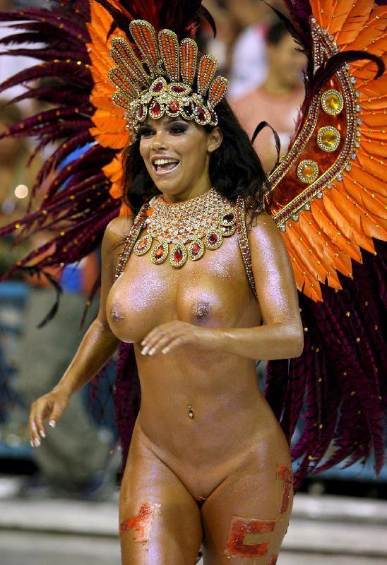 karnaval-v-rio-golie-tantsovshitsi-foto