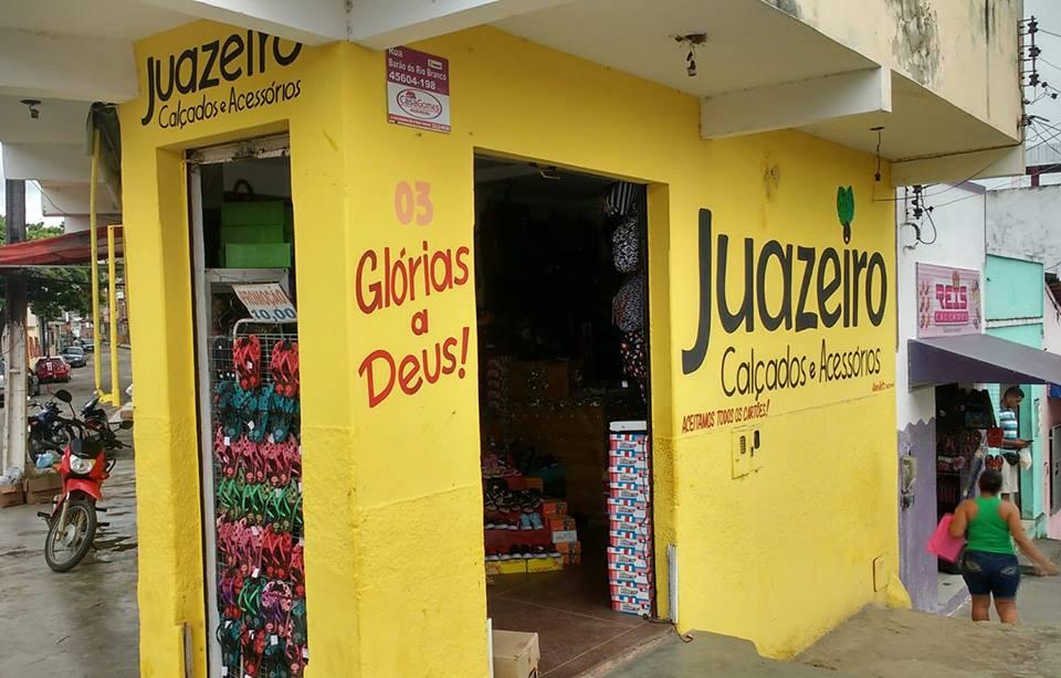 JUAZEIRO CALÇADOS E ACESSÓRIOS  NA ESQUINA DA PRAÇA DA PIEDADE NA CALIFÓRNIA