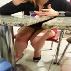Flagra Mulher Sem Calcinha No Shoping de Anapolis