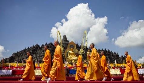 Makna Hari Raya Waisak Bagi Umat Buddha Indonesia
