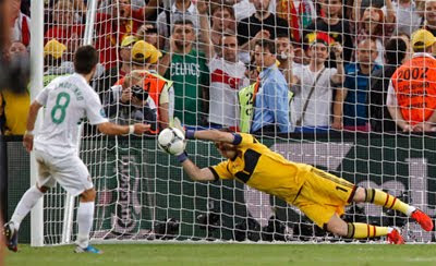 Iker Casillas parada penalti Eurocopa 2012