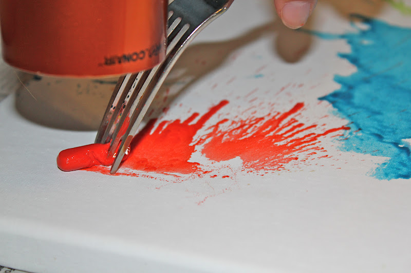 Diy crayon canvas for Crayon diy canvas