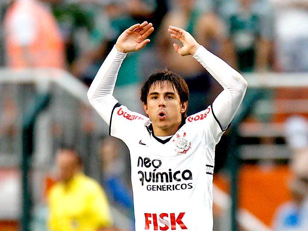 21768167f8 Willian comemora o gol de empate diante do Palmeiras