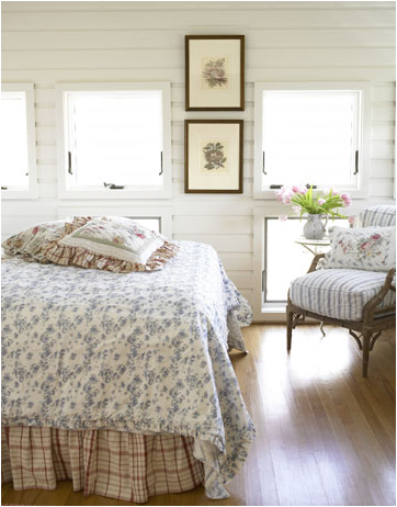 Cottage bedroom design ideas room design ideas for Bungalow bedroom ideas