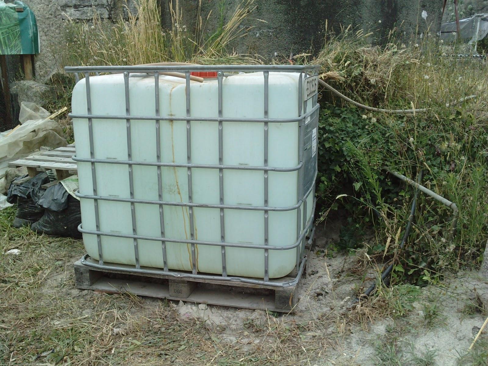 Horta dos tr s ao s bado sistema rega ii - Deposito de agua 1000 litros ...