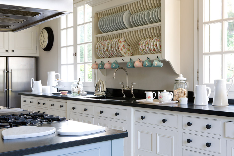 Casa Con Decoraci N Estilo Ingl S Ideas Para Decorar - Cocinas ...