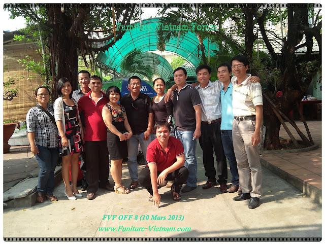 les persone du Forum de meuble au Vietnam