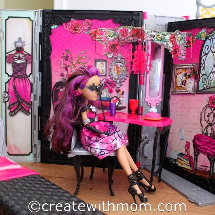 At The Ever After Highs Annual Spring Fairest Everything Is Topsy Turvy Where Up Means Down And Royal Rebel My Daughter Enjoys Playing With
