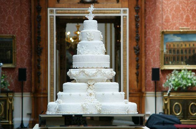 royal wedding cupcakes designs. The wedding cake was a big