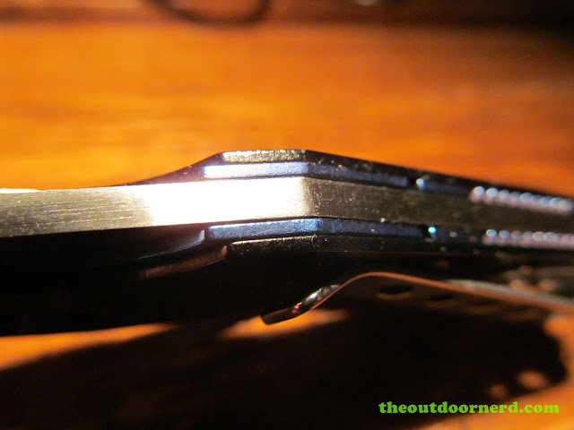 Sanrenmu B787 Pocket Knife - another view of lock