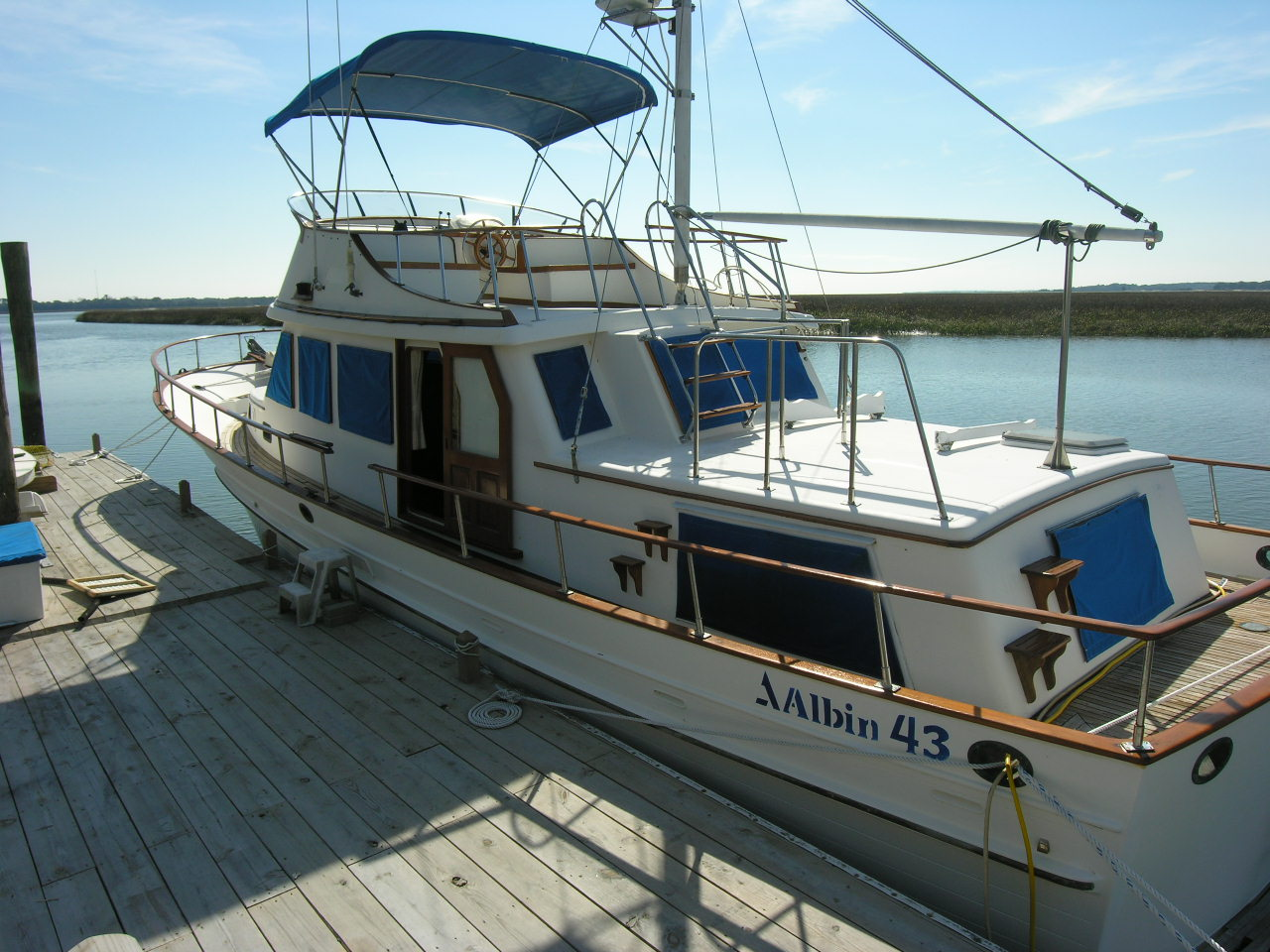 This used 1986 Albin trawler was built in Taiwan during the height of the ...