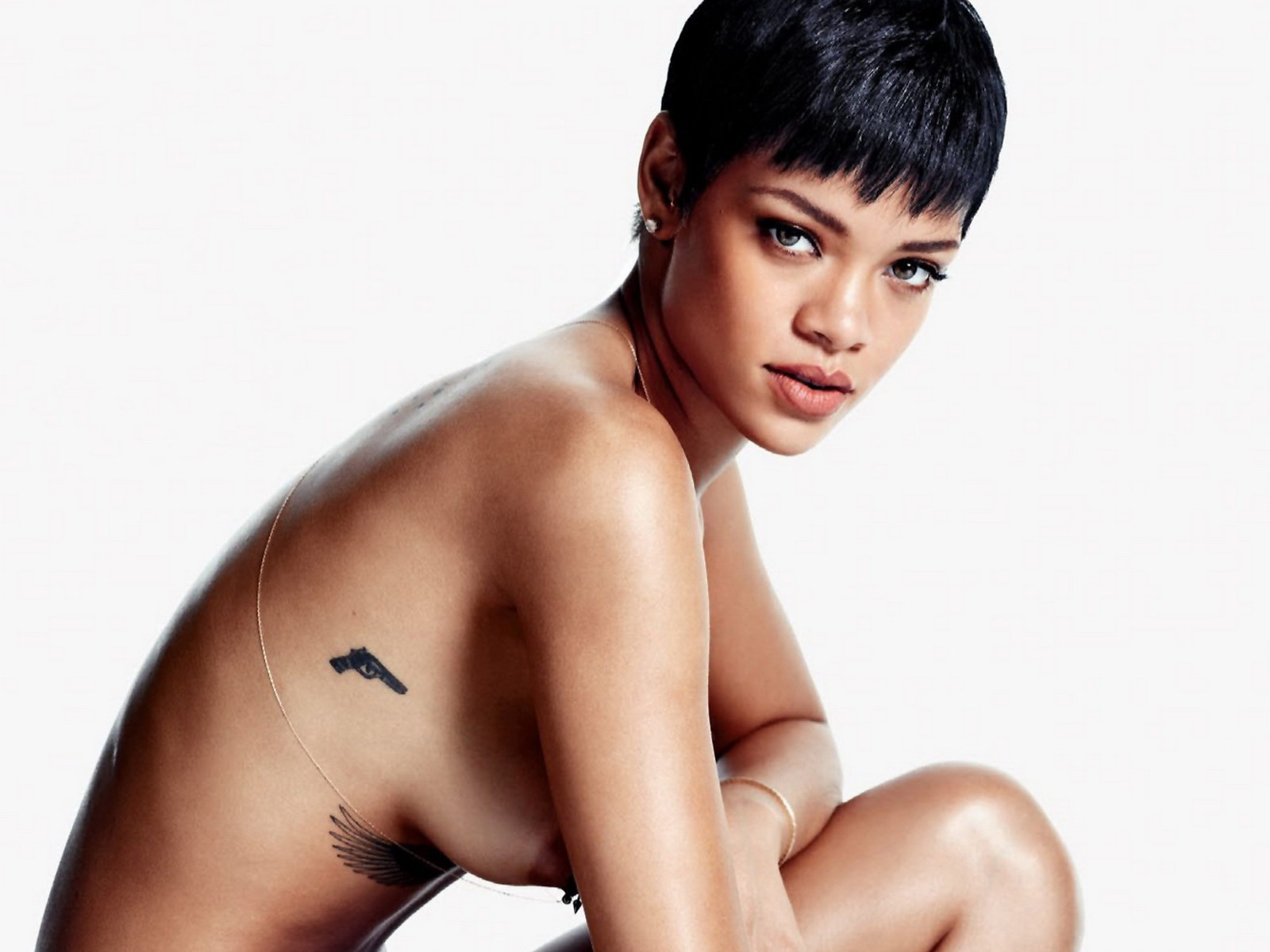 Смотреть порно фото рианны бесплатно, Голая Рианна (Rihanna), самые откровенные фото 1 фотография
