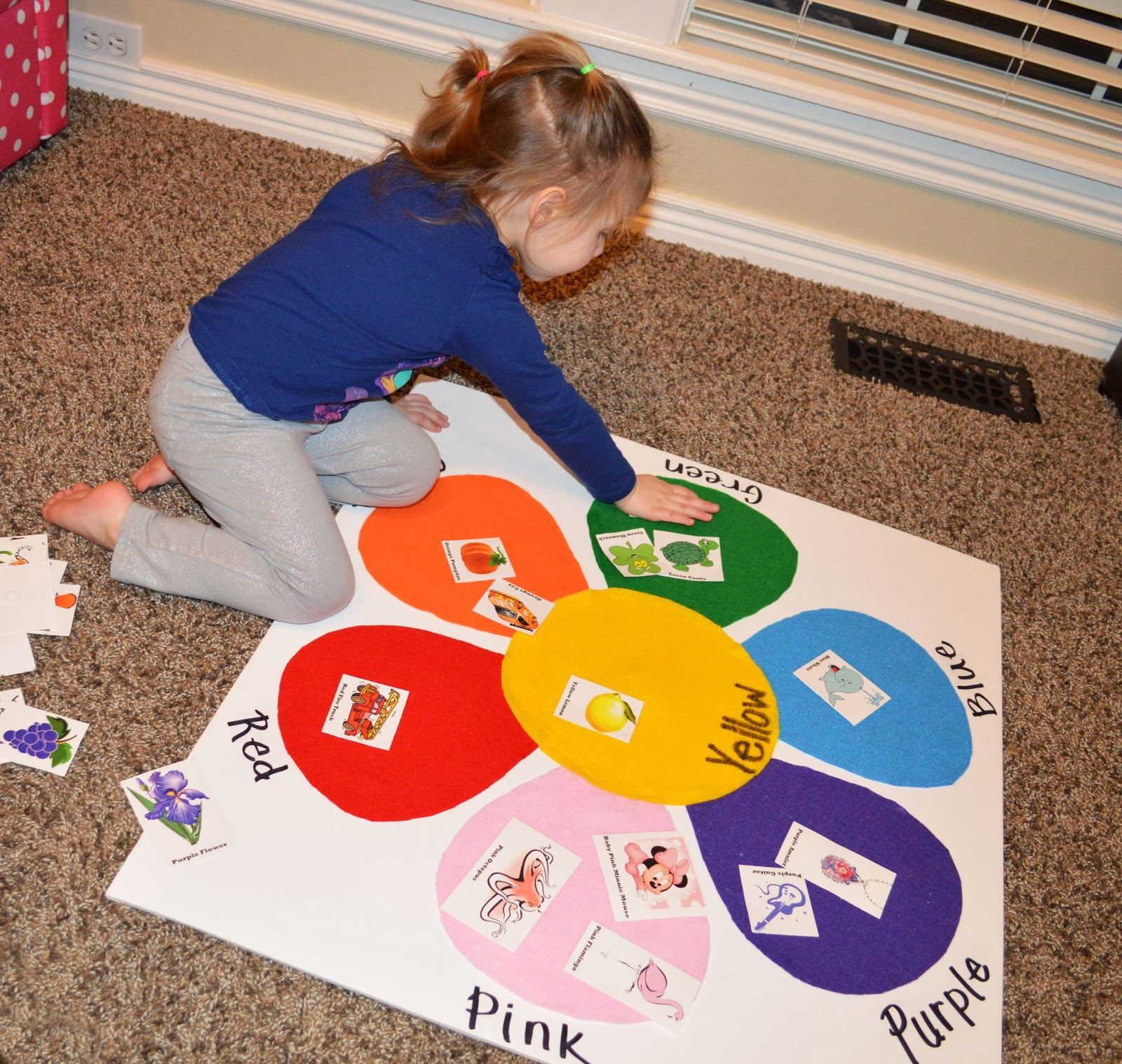 Toddler color matching felt board with picture identification for Crafts for toddlers and preschoolers