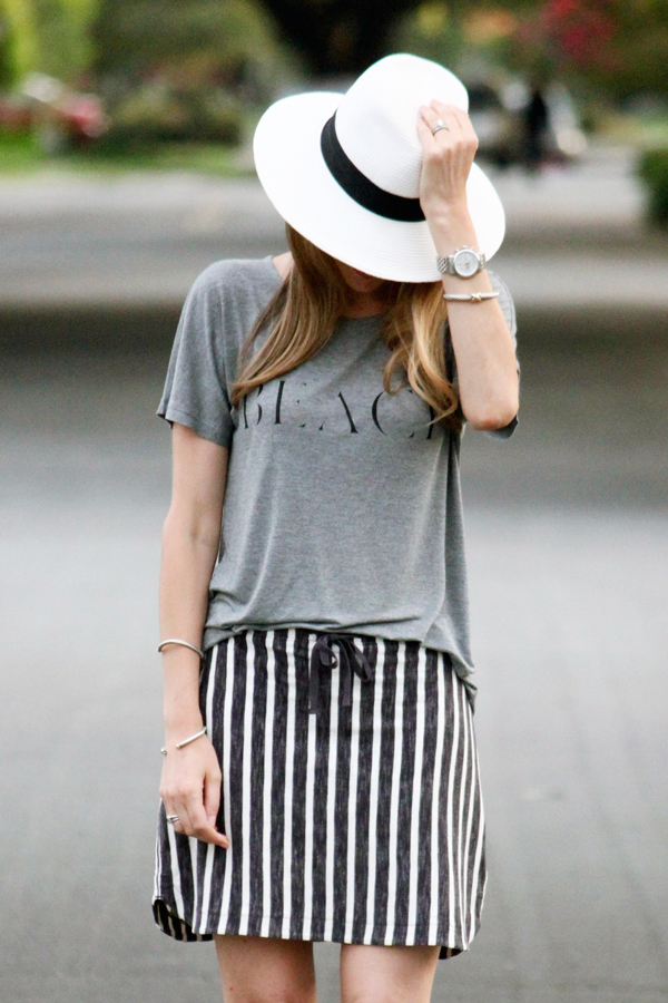 "Summer uniform: slouchy ""beach"" tee, casual skirt, Panama hat"