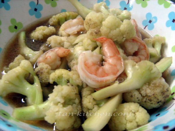 flavor of Thai: Stir-Fried Cauliflower with shrimp (Dok Ka-Lam Pad ...