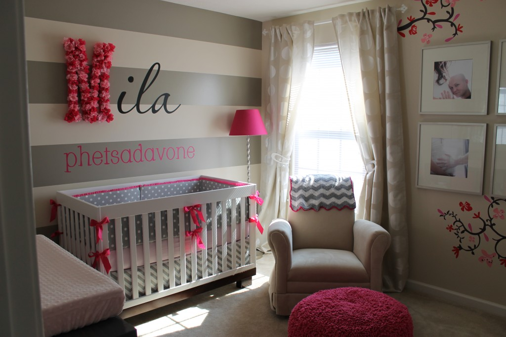I heart pears grey and pops of pink nursery Baby girl room ideas