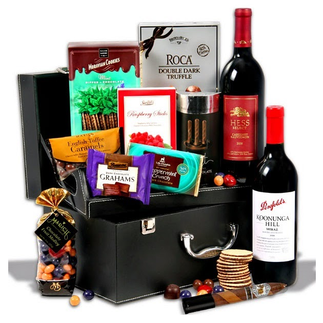 Red-Wine-Duo-Chocolate-Suitcase