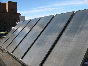 Funcionan los calentadores solares los días nublados?