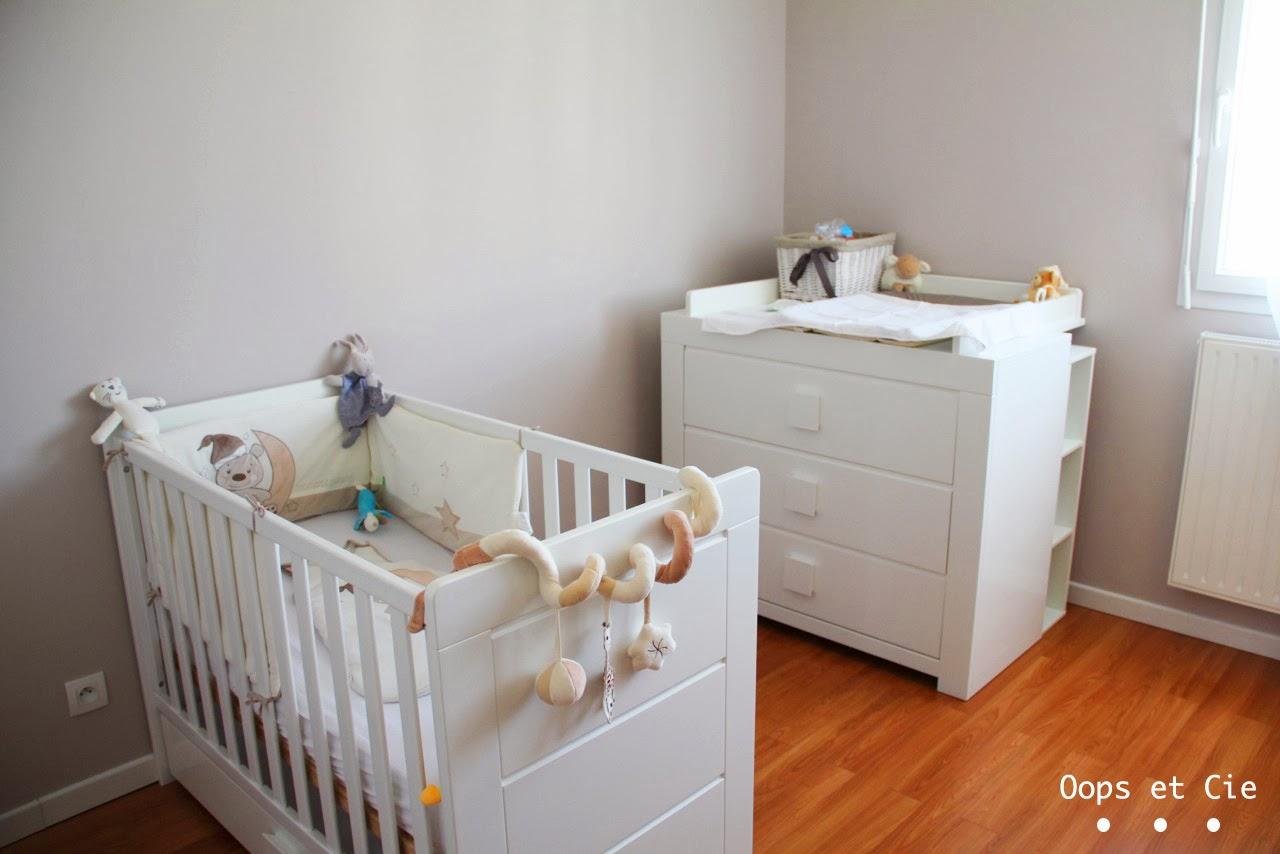 oops cie le passage dans un lit de grand. Black Bedroom Furniture Sets. Home Design Ideas
