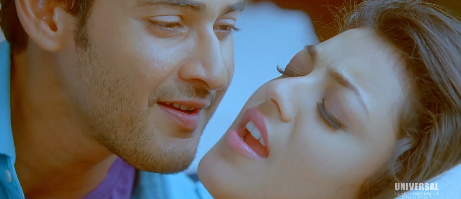 Kajal Agarwal Hot Kiss In Businessman