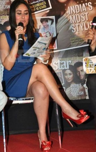 normal kareena kapoor cross legs Bollywood Actresses Oops and Panty Upskirts