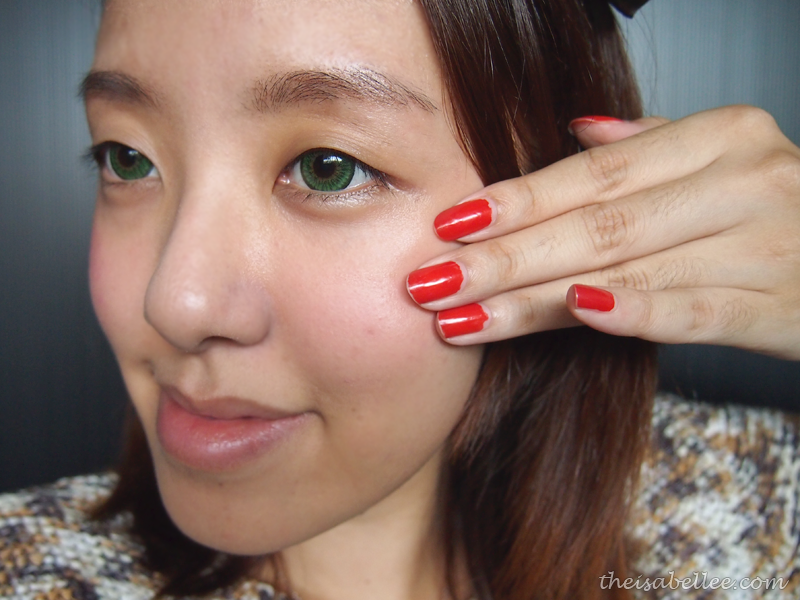 Blend Omorose Rosey Glow using fingers quickly