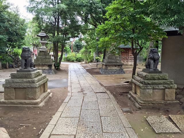 鳩森八幡神社,参道,境内,千駄ヶ谷〈著作権フリー無料画像〉Free Stock Photos