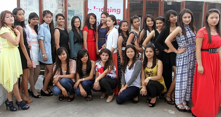 miss ecollege nepal 2014 group photo